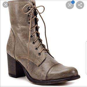 Steve Madden Graanie lace up Combat Boots sz 6.5